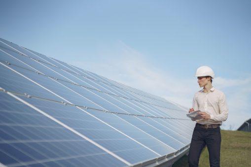 Niższe rachunki za prąd w firmie dzięki fotowoltaice